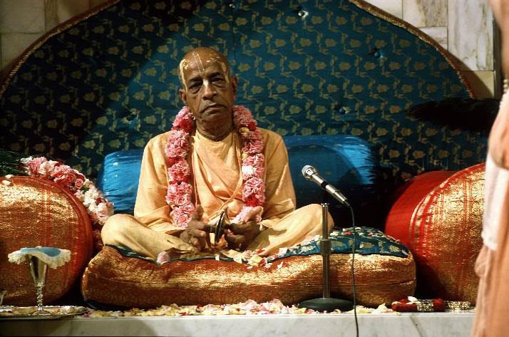Srila-Prabhupada-on-Vyassasana-Playing-Kartals